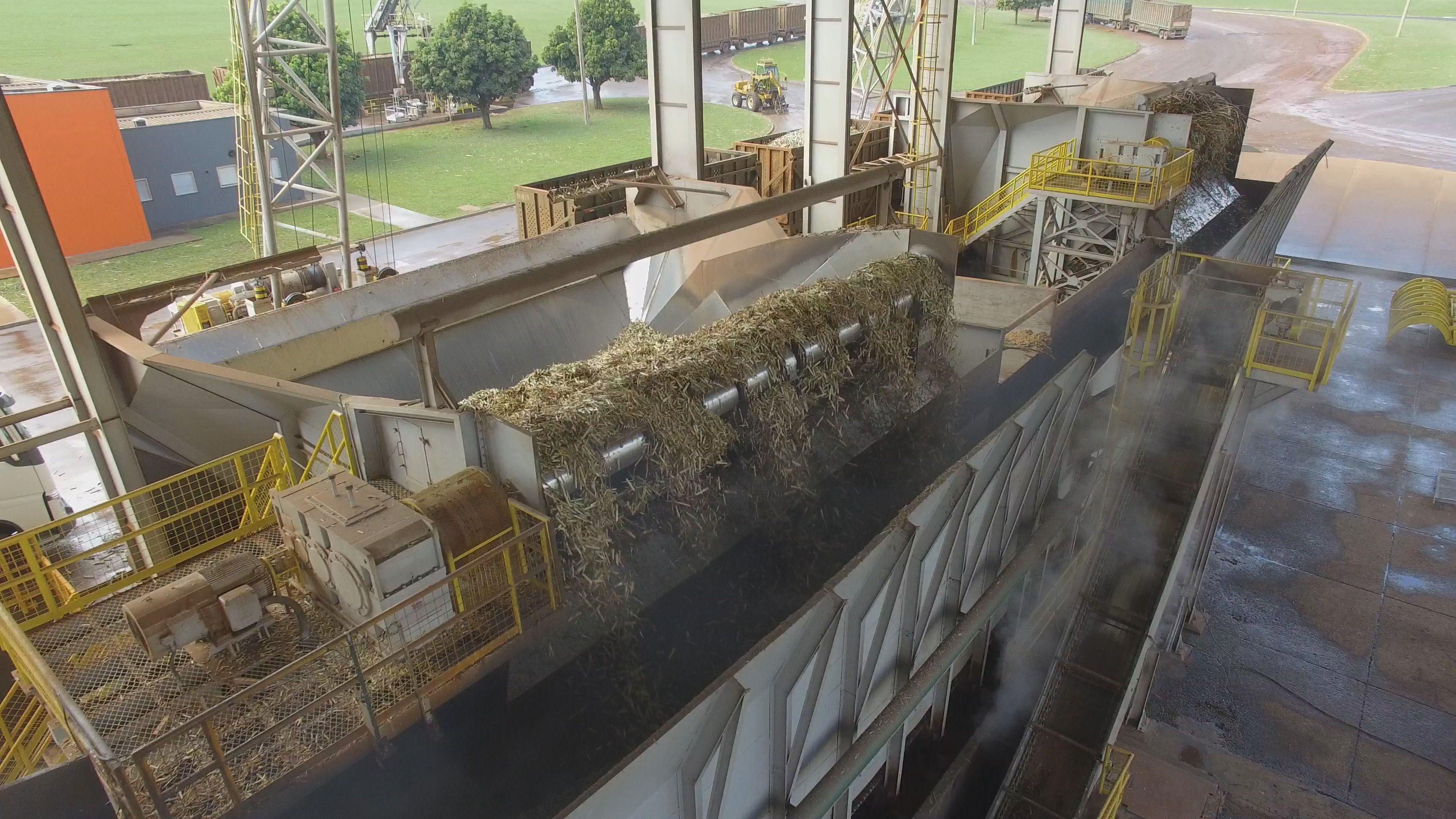 Estudo de caso: Aplicação de acoplamentos bipartidos radialmente em equipamentos de manejo de cana-de-açúcar.